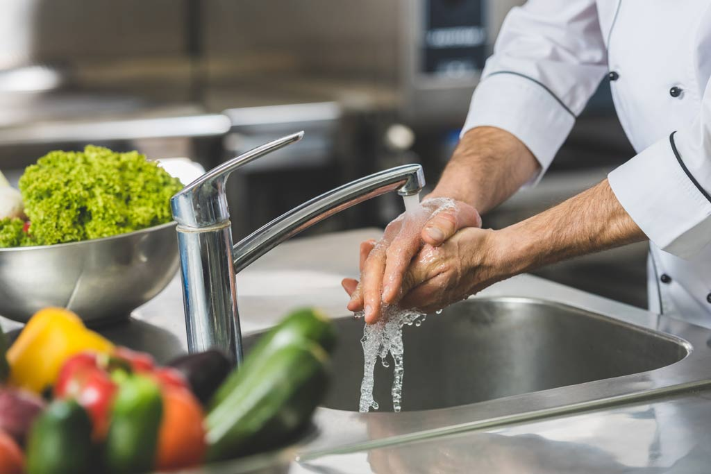 clean_wash_hands_food_safety